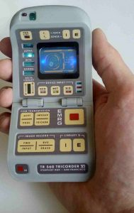 TNG Tricorder Hand Bild